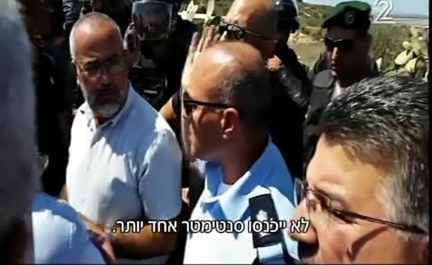 מהומות מול ביתו של המחבל בפיגוע בדיזינגוף